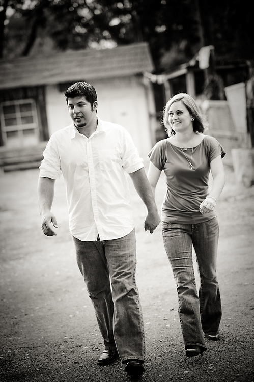 Jenna Roemer and Paul Maloy engagement photos. Downtown San Antonio Friday, July 17, 2009..Photo © Bahram Mark Sobhani