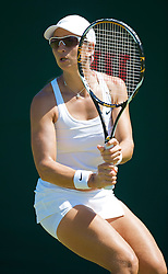 LONDON, ENGLAND - Tuesday, June 23, 2009: Rossana De Los Rios (PAR) during her Ladies' Singles 1st Round defeat on day two of the Wimbledon Lawn Tennis Championships at the All England Lawn Tennis and Croquet Club. (Pic by David Rawcliffe/Propaganda)