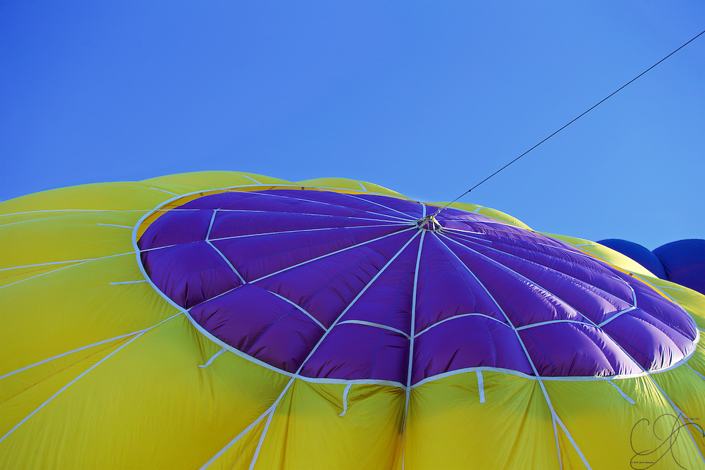 Keeping the top flap closed during inflation is the only way to ensure the Balloon turns upright!