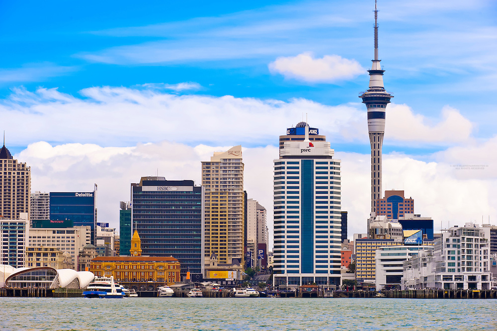Auckland skyline featuring the 328 meter high Sky Tower (the tallest free-standing structure in the Southern Hemisphere), Auckland, New Zealand