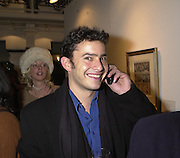 Giles Coren. Art 2001. The 13th London Contemporary Art Fair.Charity Preview in aid of the South London Art Gallery. 16 January 2001.  © Copyright Photograph by Dafydd Jones 66 Stockwell Park Rd. London SW9 0DA Tel 020 7733 0108 www.dafjones.com