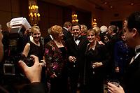 """20 NOV 2003, NEW YORK/USA:<br /> Gerhard Schroeder, SPD, Bundeskanzler, im Gespraech mit Spitzenvertretern der Wirtschaft, waehrend einem Empfang vor einer Festveranstaltung des American Institute for Contemporary German Studies anl. der Verleihung des """"Global Leadership Awards"""" Hotel Grand Hyatt at Grand Central<br /> IMAGE: 20031120-03-023<br /> KEYWORDS: Gerhard Schröder, U.S.A., Reise, Smoking<br /> Gespräch"""