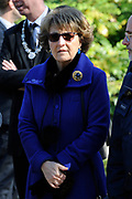 Hare Koninklijke Hoogheid Prinses Margriet heeft in Amsterdam 'Artis in Bloei' ter gelegenheid van het 175-jarig bestaan van Artis gepend.  <br /> <br /> Her Royal Highness Princess Margriet opend in Amsterdam Artis in Bloom 'on the occasion of the 175th anniversary of Artis Zoo Amsterdam.<br /> <br /> Op de foto / On the photo:  Prinses Margriet maakt een wandeling door dierentuin Natura Artis Magistra.  ////// Princess Margriet is a walk through Natura Artis Magistra zoo.