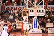 DESCRIZIONE : Pistoia Lega serie A 2013/14  Giorgio Tesi Group Pistoia Pesaro<br /> GIOCATORE : galanda giacomo <br /> CATEGORIA : tiro tre punti controcampo<br /> SQUADRA : Giorgio Tesi Group Pistoia<br /> EVENTO : Campionato Lega Serie A 2013-2014<br /> GARA : Giorgio Tesi Group Pistoia Pesaro Basket<br /> DATA : 24/11/2013<br /> SPORT : Pallacanestro<br /> AUTORE : Agenzia Ciamillo-Castoria/M.Greco<br /> Galleria : Lega Seria A 2013-2014<br /> Fotonotizia : Pistoia  Lega serie A 2013/14 Giorgio  Tesi Group Pistoia Pesaro Basket<br /> Predefinita :