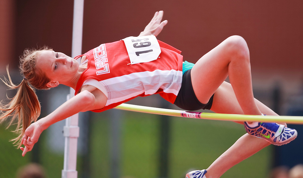 St.Thomas, Ontario ---11-05-07--- Kristina  VanDamme of Lambton Central competes in the high jump at the 2011 Kettle Creek Invitational at St. Joe's in St.Thomas, Ontario, May 7, 2011. <br /> GEOFF ROBINS/Mundo Sport Images