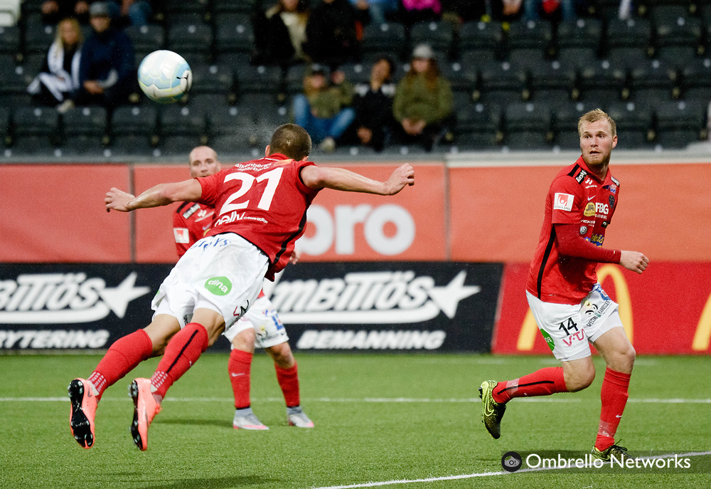 ÖREBRO, SWEDEN - AUGUST 28: Thomas Juel-Nielsen  of Falkenbergs FF shoots a header during the Allsvenskan match between Örebro SK & Falkenbergs FF at Behrn Arena on August 28, 2016 in Örebro, Sweden. Foto: Pavel Koubek/Ombrello
