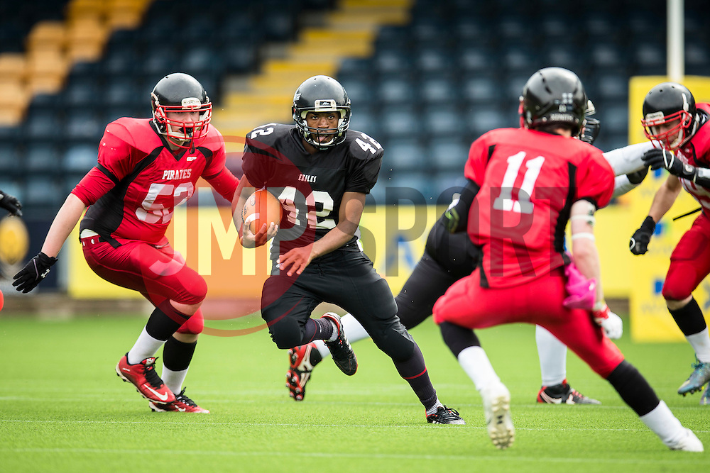 Kent Exiles running back in action - Mandatory by-line: Jason Brown/JMP - 27/08/2016 - AMERICAN FOOTBALL - Sixways Stadium - Worcester, England - Kent Exiles v East Kilbride Pirates - BAFA Britbowl Finals Day
