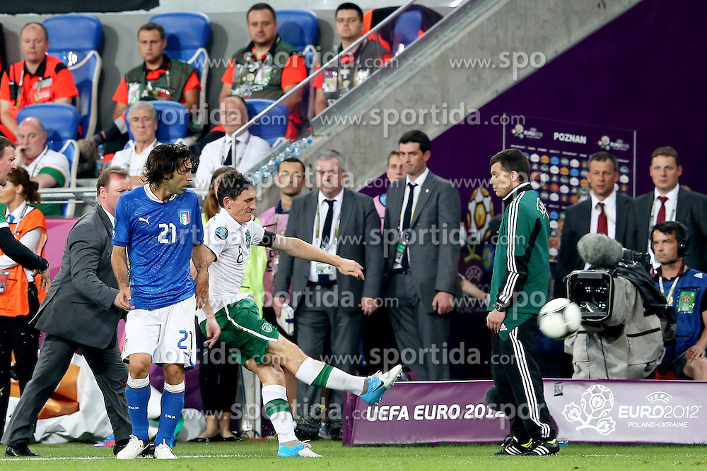 18.06.2012, Staedtisches Stadion, Posen, POL, UEFA EURO 2012, Italien vs Irland, Gruppe C, im Bild KEITH ANDREWS (C) rote Karte // during the UEFA Euro 2012 Group C Match between Italy and Ireland at the Municipal Stadium Poznan, Poland on 2012/06/18. EXPA Pictures © 2012, PhotoCredit: EXPA/ Newspix/ Mateusz Trzuskowski..***** ATTENTION - for AUT, SLO, CRO, SRB, SUI and SWE only *****