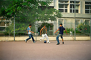 [English]  During daytime, Afghans in Paris meet in Villemin park. Football is the main activity, often with French boys of the neighborhood.<br />