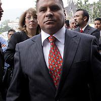 TOLUCA, México.- Antonio García Mendoza,  Diputado del Partido Social Demócrata  (PSD) arribando a la Cámara de Diputados para tomar protesta como integrante de la LVII Legislatura Local.  Agencia MVT / Crisanta Espinosa. (DIGITAL)