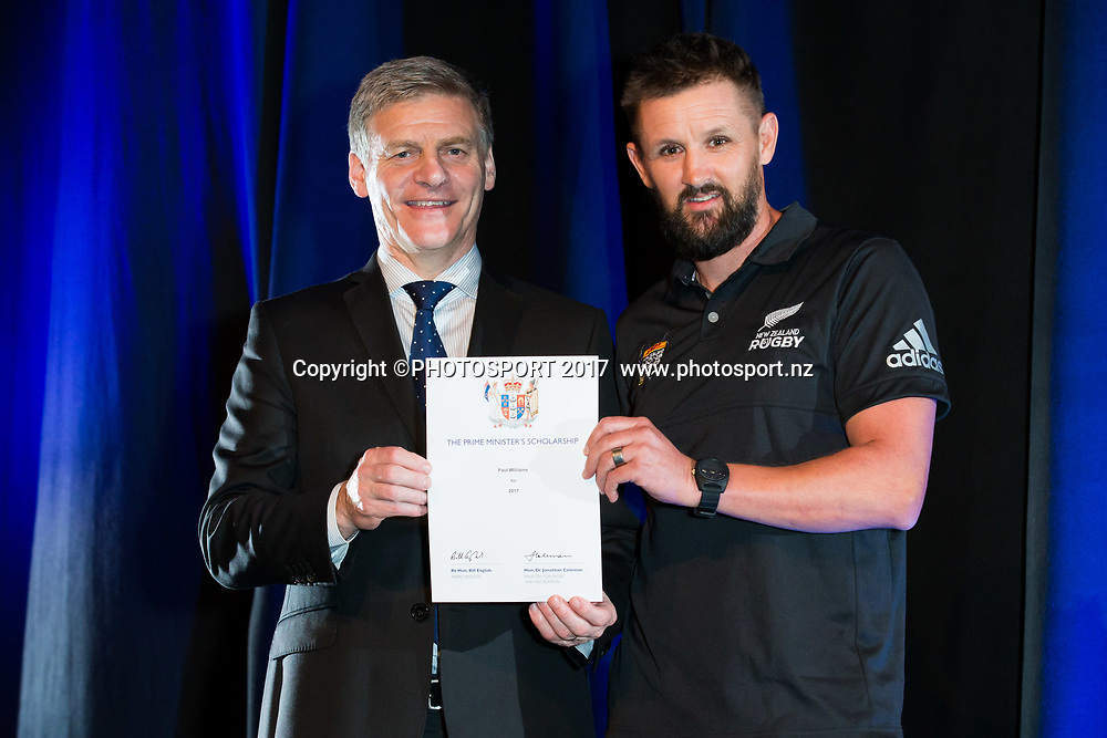 Paul Williams with Rt Hon Bill English, 2017 Waikato Prime Minister's Scholarship Certificate Presentation Evening, Claudelands, Hamilton, New Zealand. Thursday 27 April 2017. © Copyright Photo: Stephen Barker / www.photosport.nz