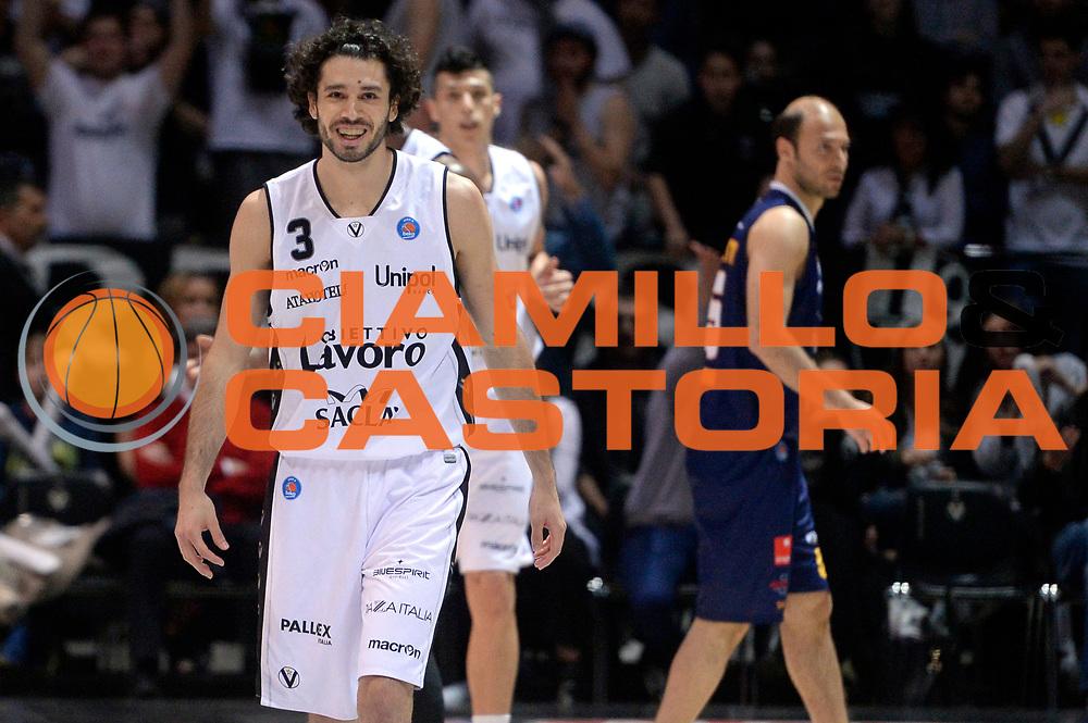 DESCRIZIONE : Bologna Lega A 2015-2016 Obiettivo Lavoro Bologna Manital Torino<br /> GIOCATORE : Michele Vitali<br /> CATEGORIA : esultanza<br /> SQUADRA : Obiettivo Lavoro Bologna<br /> EVENTO : Campionato Lega A 2015-2016<br /> GARA : Obiettivo Lavoro Bologna Manital Torino<br /> DATA : 24/04/2016<br /> SPORT : Pallacanestro<br /> AUTORE : Agenzia Ciamillo-Castoria/Max.Ceretti<br /> GALLERIA : Lega Basket A 2015-2016<br /> FOTONOTIZIA : Bologna Lega A 2015-2016 Obiettivo Lavoro Bologna Manital Torino<br /> PREDEFINITA :