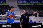 DESCRIZIONE: Trento Trentino Basket Cup - Allenamento<br /> GIOCATORE: Ettore Messina Daniel Hackett<br /> CATEGORIA: Nazionale Maschile Senior<br /> GARA: Trento Trentino Basket Cup - Allenamento <br /> DATA: 17/06/2016<br /> AUTORE: Agenzia Ciamillo-Castoria