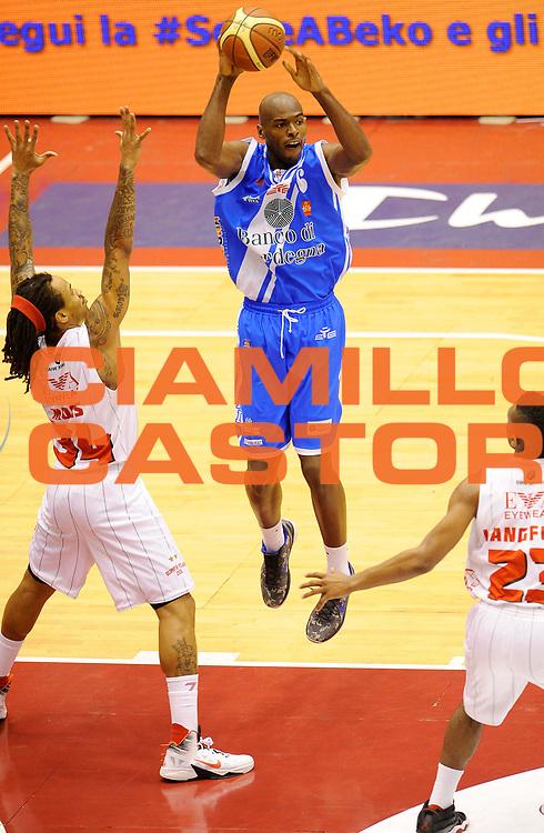 DESCRIZIONE : Milano Coppa Italia Final Eight 2014 Quarti di Finale EA7 Emporio Armani Milano Banco di Sardegna Sassari<br /> GIOCATORE : Caleb Green<br /> CATEGORIA : Passaggio Tecnica<br /> SQUADRA : Banco di Sardegna Sassari<br /> EVENTO : Beko Coppa Italia Final Eight 2014<br /> GARA : EA7 Emporio Armani Milano Banco di Sardegna Sassari<br /> DATA : 08/02/2014<br /> SPORT : Pallacanestro<br /> AUTORE : Agenzia Ciamillo-Castoria/A.Giberti<br /> GALLERIA : Lega Basket Final Eight Coppa Italia 2014<br /> FOTONOTIZIA : Milano Coppa Italia Final Eight 2014 Quarti di Finale EA7 Emporio Armani Milano Banco di Sardegna Sassari<br /> Predefinita :