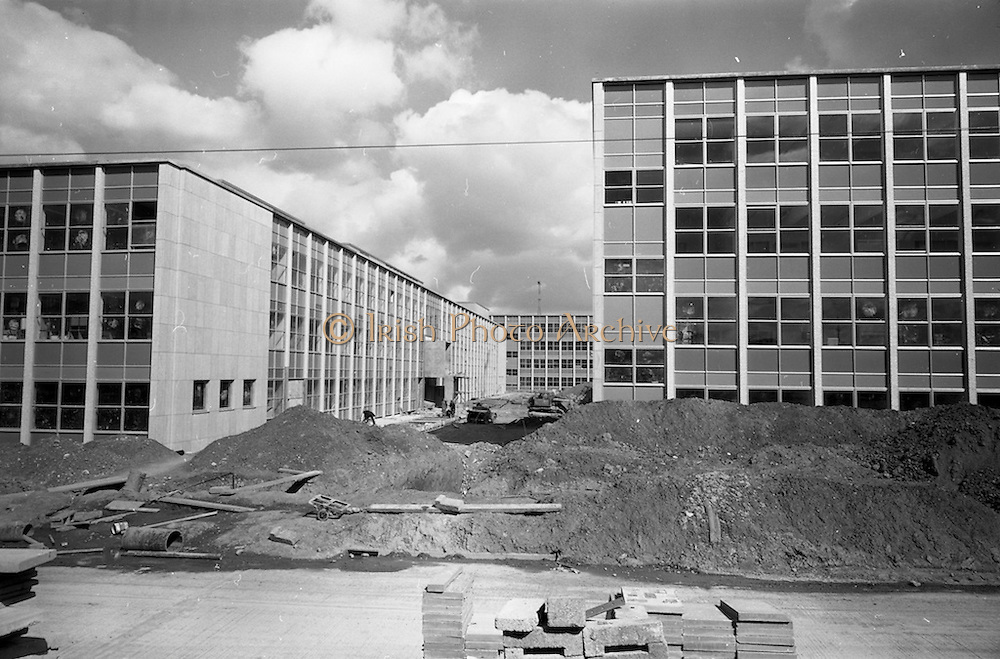 13/04/1964<br /> 04/13/1964<br /> 13 April 1964<br /> Exterior of new university buildings at Belfield. The Biology Department (left), Chemistry Deparrtment, (right) with the Physics Deprtment in background.