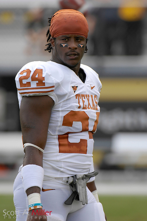 Sept. 15, 2007; Orlando, FL, USA; Texas Longhorns running back (24) Antwan Cobb during his team's game against the Central Florida Knights during the first half at Bright House Stadium. Texas won the game 35-32. ..©2007 Scott A. Miller