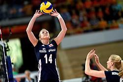 28-09-2015 NED: Volleyball European Championship Polen - Slovenie, Apeldoorn<br /> Polen wint met 3-0 van Slovenie / Joanna Wolosz #14<br /> Photo by Ronald Hoogendoorn / Sportida