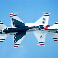 US Air Force Thunderbirds performing at the Salthill Airshow in 2007.<br />