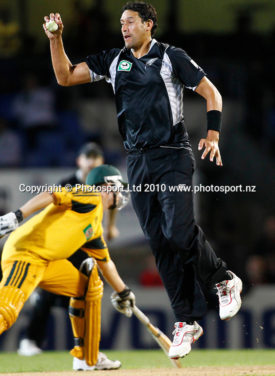Blackcaps bowler Darryl Tuffey fields off his own bowling. 4th one day international. New Zealand Black Caps versus Australia one day Chappell Hadlee cricket series. Eden Park, Auckland, New Zealand. Thursday 11 March 2010. Photo: Simon Watts/PHOTOSPORT