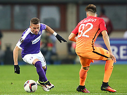 03.11.2016, Ernst Happel Stadion, Wien, AUT, UEFA EL, FK Austria Wien vs AS Roma, Gruppe E, im Bild Lucas Henrique Ferreira Venuto (FK Austria Wien) und Stephan El Shaarawy (AS Roma) // during a UEFA Europa League group E match between FK Austria Vienna and AS Roma at the Ernst Happel Stadion, Vienna, Austria on 2016/11/03. EXPA Pictures © 2016, PhotoCredit: EXPA/ Thomas Haumer