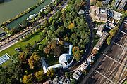 Nederland, Gelderland, Arnhem, 03-10-2010; Utrechtseweg met Museum voor Moderne Kunst Arnhem (MMKA) met uitzicht over de Rijn (Nederrijn), rechts het spoorwegemplacement..Utrechtseweg with Museum of Modern Art Arnhem (MMKA) overlooking the Rhine (Niederrhein), right rail yard..luchtfoto (toeslag), aerial photo (additional fee required) foto/photo Siebe Swart