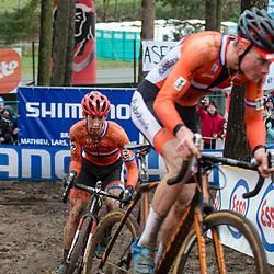 31-01-2016: Wielrennen: WK cyclecross elite: Heusden Zolder<br /> HEUSDEN-ZOLDER (BEL) cyclocrossOp het circuit van Terlamen-Zolder streden de elite veldrijders om de mondiale titels in het veld. <br /> WK Zolder: Lars van der Haar