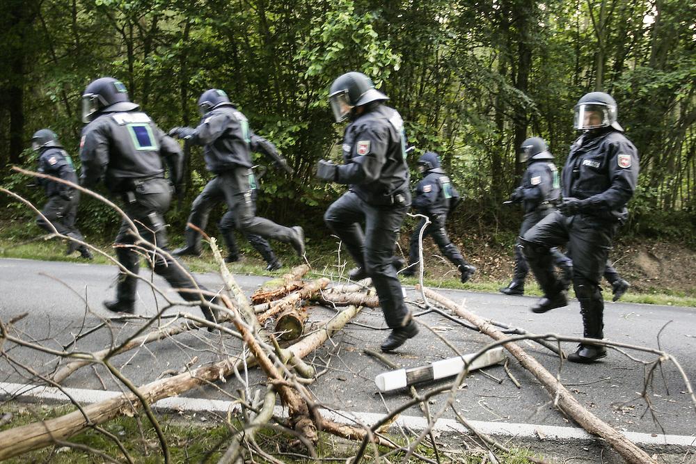 DEU Deutschland Germany Heiligendamm Protestkundgebungen während des  G 8 Gipfels in Heiligendamm