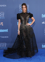Kate Beckinsale  bei der Verleihung der 22. Critics' Choice Awards in Los Angeles / 111216