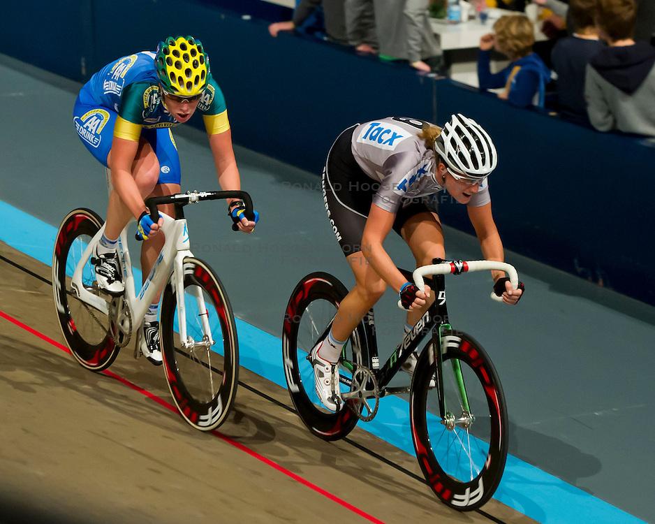 08-01-2012 WIELRENNEN: RABOBANK ZESDAAGSE: ROTTERDAM<br /> (L-R) Kirsten Wild - AA Drink, Vera Koedooder<br /> (c)2012-FotoHoogendoorn.nl / Peter Schalk
