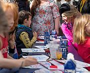 Staatsbezoek van Koning Willem Alexander en Koningin Máxima aan het Verenigd Koninkrijk<br /> <br /> Statevisit of King Willem Alexander and Queen Maxima to the United Kingdom<br /> <br /> Op de foto / On the photo: Koning Willem Alexander en Koningin Maxima brengen samen met Prins Edward, graaf van Wessex en Sophie Rhys-Jones, Gravin van Wessex een bezoek aan de Londense wijk POP Brixton<br /> <br /> King Willem Alexander and Queen Maxima together with Prince Edward, Count of Wessex and Sophie Rhys-Jones, Countess of Wessex visit the London district POP Brixton