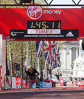 Tatyana McFadden USA wins womens Wheelchair race at the Virgin Money London Marathon 2014 on Sunday 13 April 2014<br /> Photo: Roger Allan/Virgin Money London Marathon<br /> media@london-marathon.co.uk