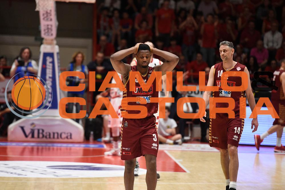 Melvin Ejim<br /> The Flexx Pistoia Umana Reyer Venezia<br /> Lega Basket Serie A 2016/2017<br /> Playoff Quarti di finale Gara 4<br /> Pistoia 19/05/2017<br /> Foto Ciamillo-Castoria