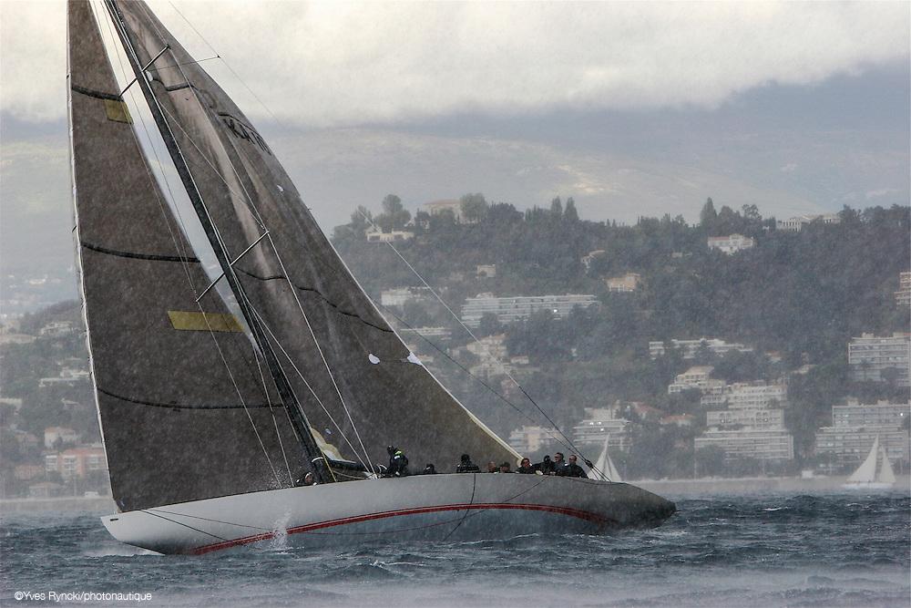 Challenge Twelve KA10, grain, pluie, grèle, voile, 12M, Jauge internationale,Régate Royales