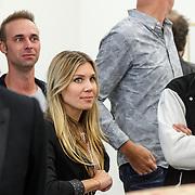 NLD/Zwolle20150917 - CD presentatie Open van Nick & Simon en expositie opening, Simon Keizer en partner Annemarie Hoek op de achtergrod