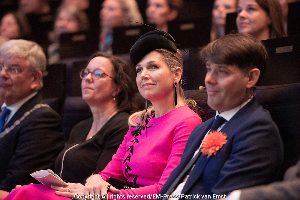 Koningin Maxima tijdens het jubileumcongres Nibud in TivoliVredenburg.<br /> <br /> Queen Maxima during the Nibud jubilee congress in TivoliVredenburg.
