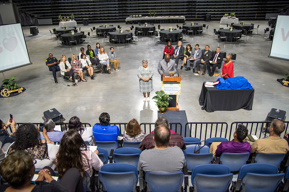 The Houston Independent School District recognized the efforts of thousands of volunteers and honored the top volunteers of the year during the annual Volunteers in Public Schools (VIPS) Recognition and Awards Ceremony on April 10, 2019.