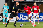 ALKMAAR - 22-04-2017, AZ - FC Twente, AFAS Stadion,2-1, scheidsrechter Siemen Mulder, AZ speler Derrick Luckassen
