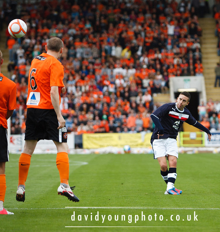 Dundee's Ryan Conroy curls in a free kick - Dundee v Dundee United derby friendly at Dens park.. - © David Young - 5 Foundry Place - Monifieth - DD5 4BB - Telephone 07765 252616 - email: davidyoungphoto@gmail.com - web: www.davidyoungphoto.co.uk