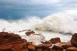 Tropical Cyclone Rusty brings stormy weather to Broome's Gantheume Point