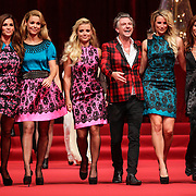 NLD/Amsterdam/20120910 - Modeshow Raak 2012 / 2013 Amsterdam, Quinty Trustfull - van den Broek, Froukje de Both, Gigi Ravelli, Jos Raak, Lieke van Lexmond en Rochelle Perts