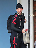 Manchester United At Stockport Station - 19 Oct 2018