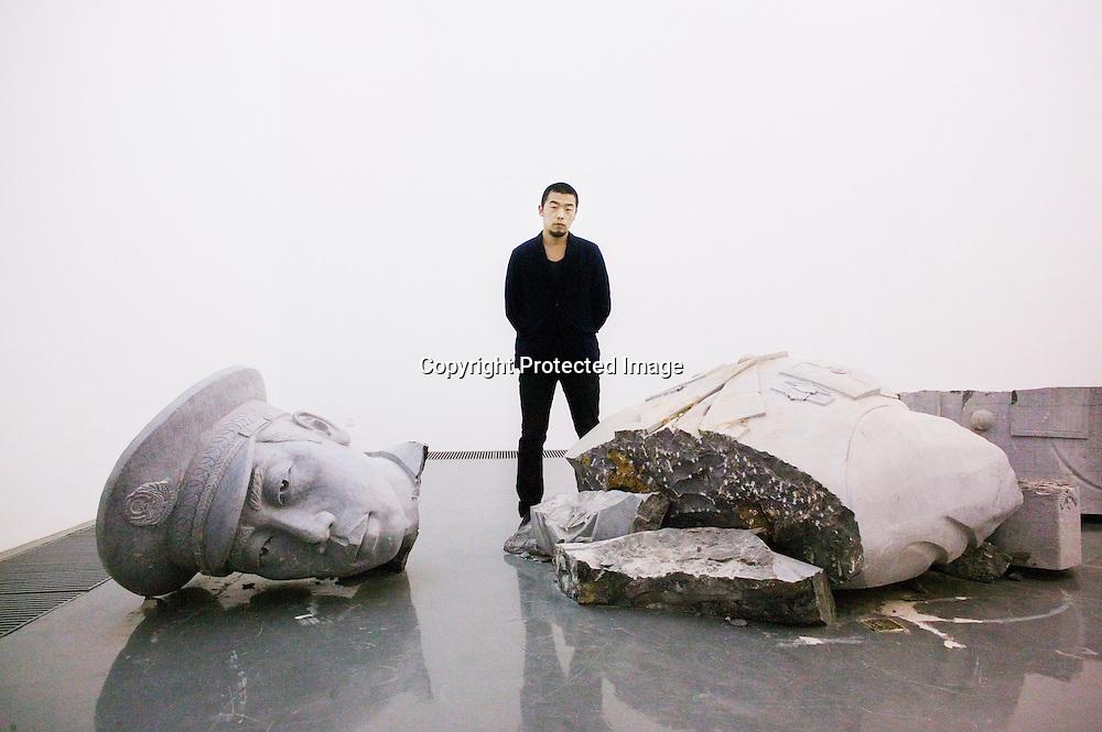 BEIJING, OCT. 22: Kuenstler Zhao Zhao neben seinem neuesten Kunstwerk, welches er seinem Mentor Ai Weiwei widmet. Zhao ist ein fruherer Mitarbeiter Ai Weiwei's, dem es verboten wurde, weiterhin mit Ai zu arbeiten.