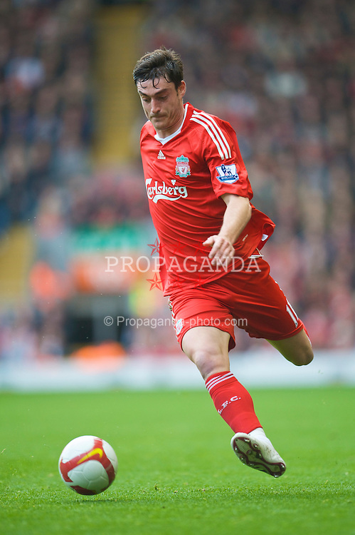 LIVERPOOL, ENGLAND - Sunday, March 22, 2009: Liverpool's Albert Riera in action against Aston Villa during the Premiership match at Anfield. (Photo by David Rawcliffe/Propaganda)