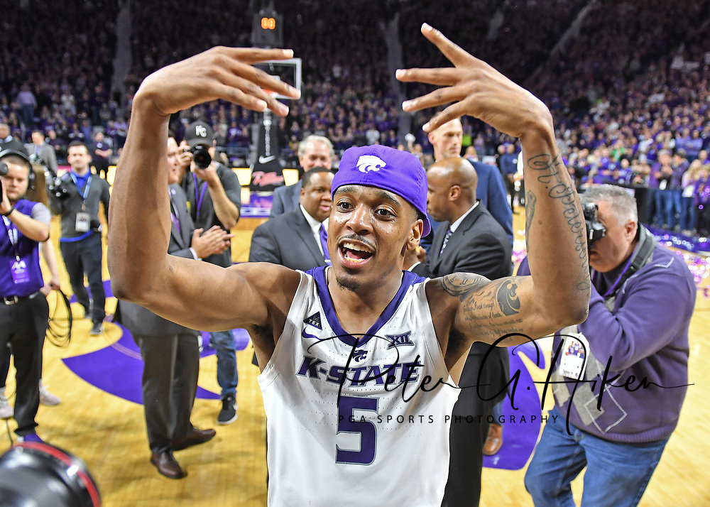MANHATTAN, KS - MARCH 09:  Barry Brown Jr. #5 of the Kansas State Wildcats celebrates after beating the Oklahoma Sooners to win the Big 12 Regular Season Championship during on March 9, 2019 at Bramlage Coliseum in Manhattan, Kansas.  (Photo by Peter G. Aiken/Getty Images) *** Local Caption *** Barry Brown Jr.