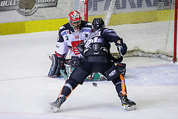 28.10.2016, Messestadion, Dornbirn, AUT, EBEL, Dornbirner Eishockey Club vs HC TWK Innsbruck Die Haie, 15. Runde, im Bild Andy Chiodo, (HC TWK Innsbruck, #30) und Charlie Sarault, (Dornbirner Eishockey Club, #21) // during the Erste Bank Icehockey League 15th round match between Dornbirner Eishockey Club and HC TWK Innsbruck Die Haie at the Messestadion in Dornbirn, Austria on 2016/10/28, EXPA Pictures © 2016, PhotoCredit: EXPA/ Peter Rinderer