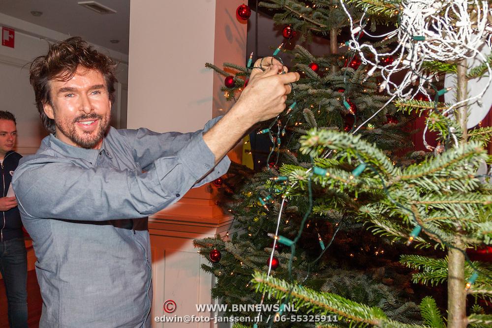 NLD/Hilversum/20151207- Sky Radio's Christmas Tree for Charity, Mari van de Ven