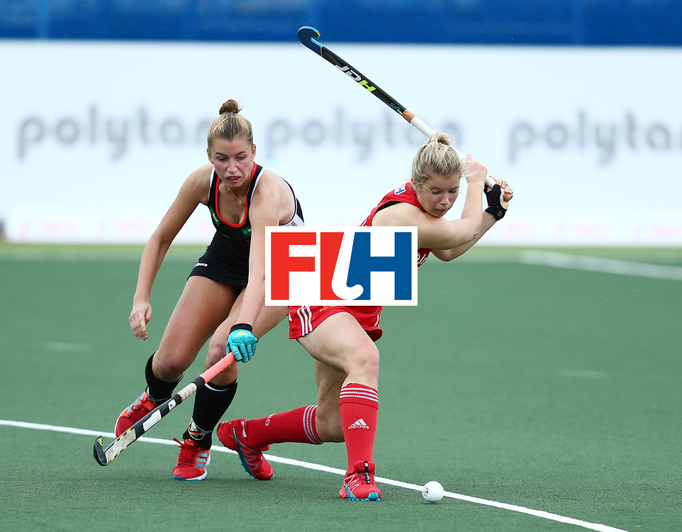 \New Zealand, Auckland - 18/11/17  <br /> Sentinel Homes Women&rsquo;s Hockey World League Final<br /> Harbour Hockey Stadium<br /> Copyrigth: Worldsportpics, Rodrigo Jaramillo<br /> Match ID: 10293 - ENG vs GER<br /> Photo: (19) BRAY Sophie shoot in front (30) GRANITZKI Hanna