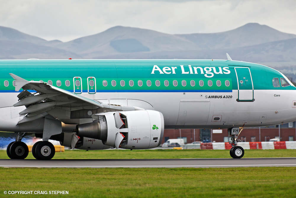 An Aer Lingus plane landing at Edinburgh Airport