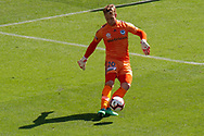 MELBOURNE, VIC - JANUARY 20: Melbourne Victory goalkeeper Lawrence Thomas (20) crosses the ball during the Hyundai A-League Round 14 soccer match between Melbourne Victory and Wellington Phoenix at AAMI Park in VIC, Australia on 20th January 2019. Image by (Speed Media/Icon Sportswire)