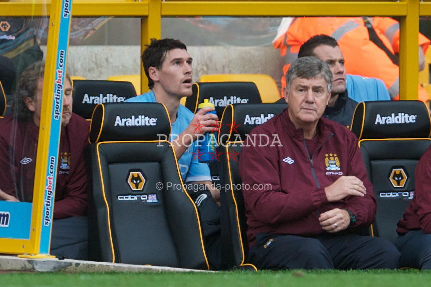 WOLVERHAMPTON, ENGLAND - Saturday, October 30, 2010: Manchester City's Gareth Barry on the bench after being substituted during the Premiership match against Wolverhampton Wanderers at Molineux. (Pic by: David Rawcliffe/Propaganda)